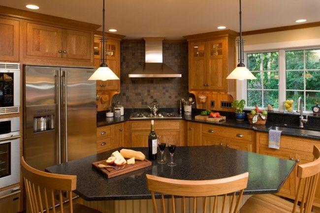 Угловой кухонный гарнитур станет отличным дизайнерским решением не только для маленькой кухни, но и для просторной кухни