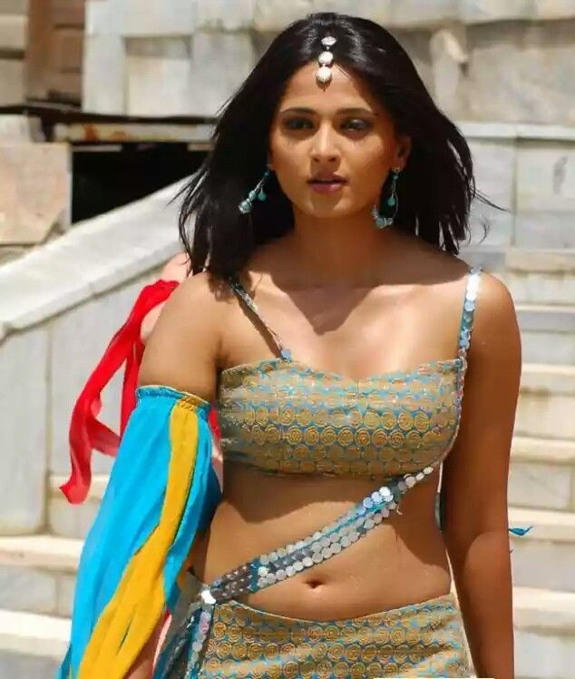 How s my navel show - Anushka Shetty -