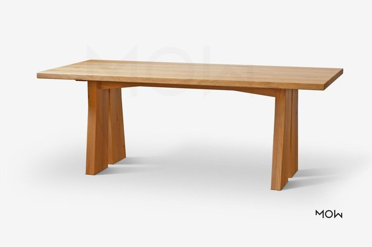 Jedinečný designový stůl Fromm je bytelný a ideální kuchyňský stůl.