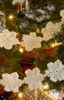 Crochet Snowflake Garland....<3
