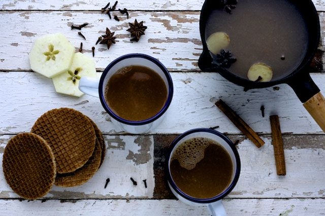 spiced apple punch- sounds like a nice option for kids in the fall and winter holiday season