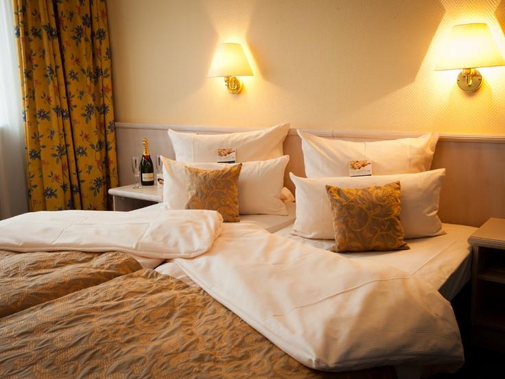 caratbed Superior im hoteltraube Rüdesheim (www.hotel-traube-ruedesheim.de) - wake up and smile!