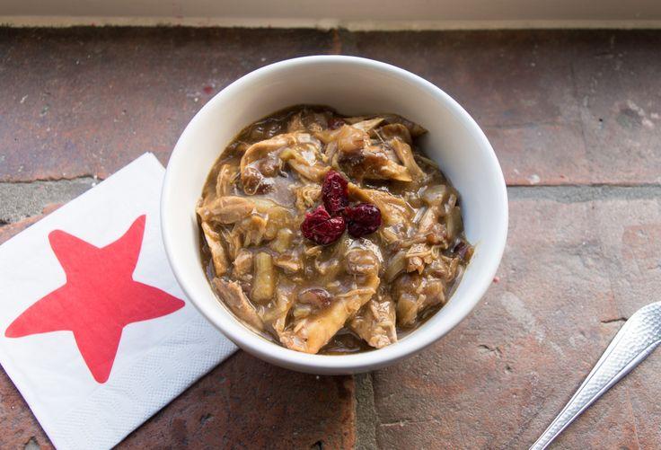 Stoofschotel van kip, saffraan en cranberry