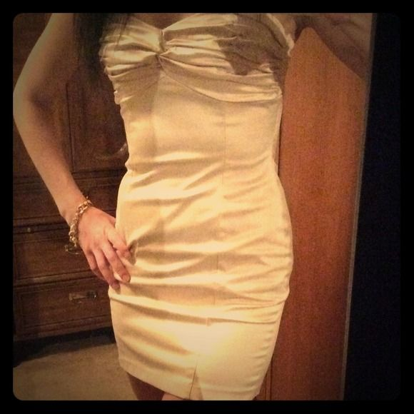 Champagne silky short dress! Sexy! 💛💄💋 Perfect dress for a date . Very form fitting and beautiful! Looks perfect with gold heels or a black sweater and sparkly flats! Love this dress! Worn 2x. Forever 21 Dresses