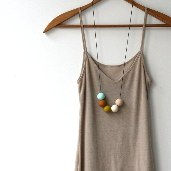 Make Painted Wooden Bead Necklaces:-) to Pop color in Outfits:-) Hmmm...Bracelets too:-)