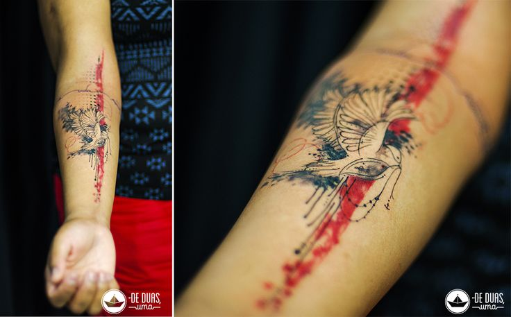 Tatuagem aquarela vermelha - Pássaro - Watercolor Trash Polka Tattoo - De duas, uma
