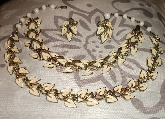 Vintage Coro Parure Necklace Bracelet and Earrings by picsoflive, $59.00