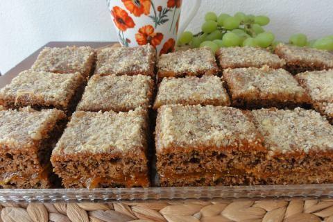 Jak upéct mrkvový koláč s ořechy | recept
