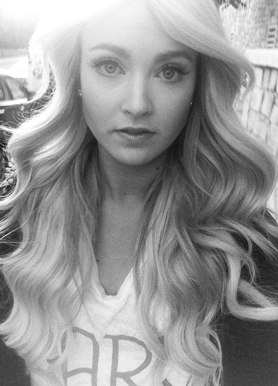 CARA LOREN: Big Wavy Curls Tutorial Yes.