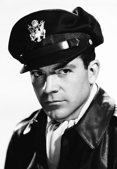 Of all the old Hollywood men, Dana Andrews was the one I have been attracted to the most, especially in the movie The best years of our lives.