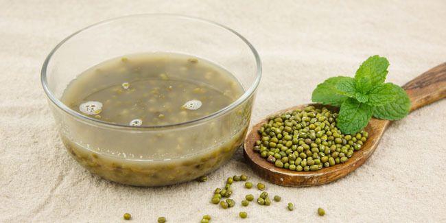 Vemale.com - Kacang hijau tidak hanya enak dimakan, karena kacang yang satu ini bisa mengatasi masalah jerawat yang mengganggu.