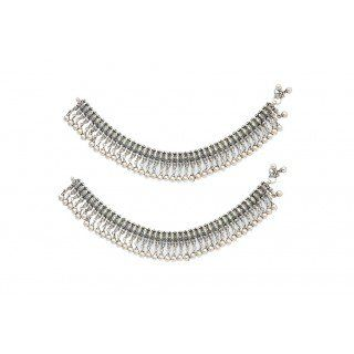 Buy silveranklets online to add charm to your persona and with casual attire. The best purchase for those who love fascinating looks. http://www.rajsi.in/products/anklets-3.html