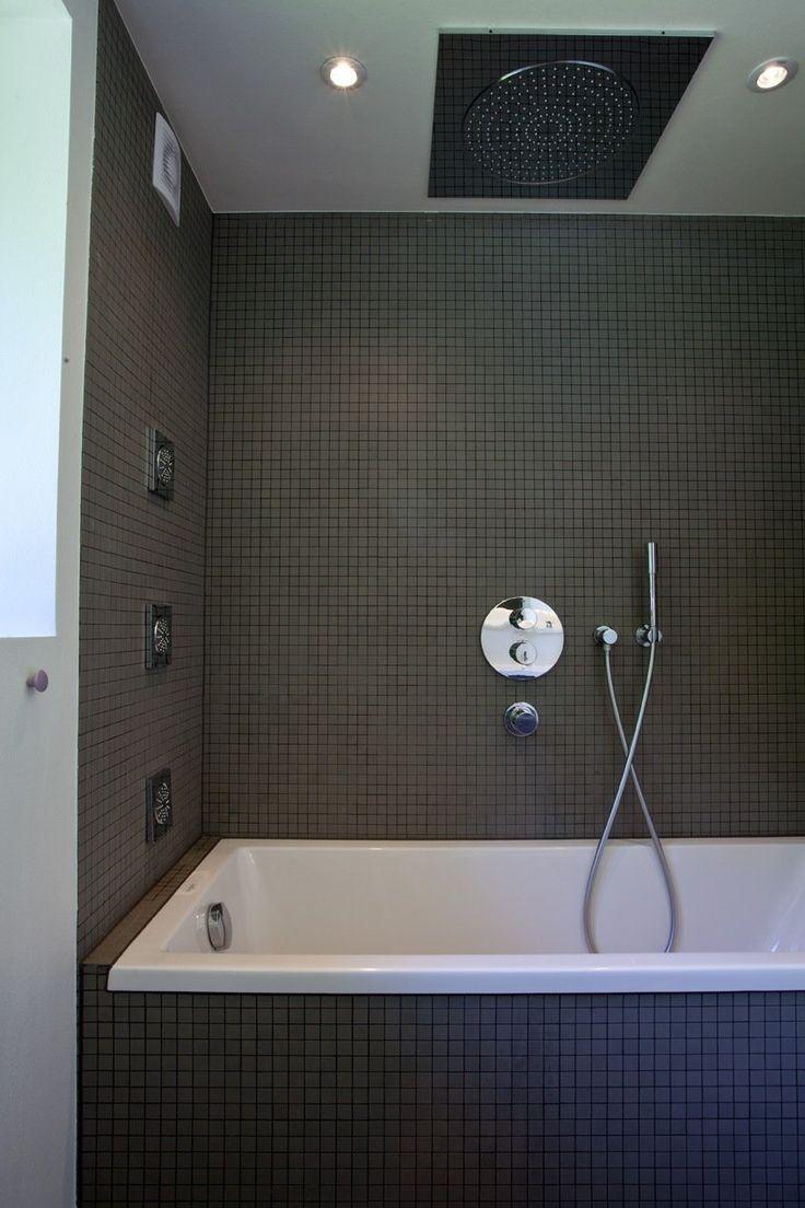 Boligreportage fra BoBedre. Uglaserede Winckelmans mosaik i 2x2 fra Evers