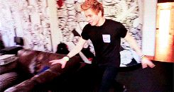 luke hemmings gif | Tumblr Because they say he's 18, but sometimes I think he's 7