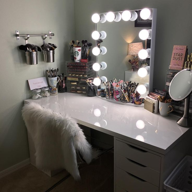 Best 25 Mirror Vanity Ideas On Pinterest Makeup Storage