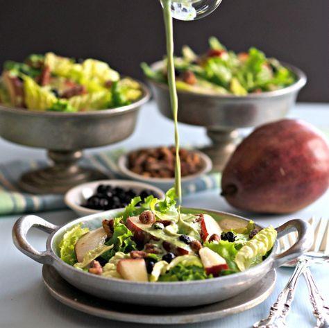 Ein Salat ohne ein Salatdressing ist kein richtiger Salat. Dieses gibt den letzten Schliff. Heute geben wir Ihnen 5 Dressing-Rezepte mit, welche Sie...