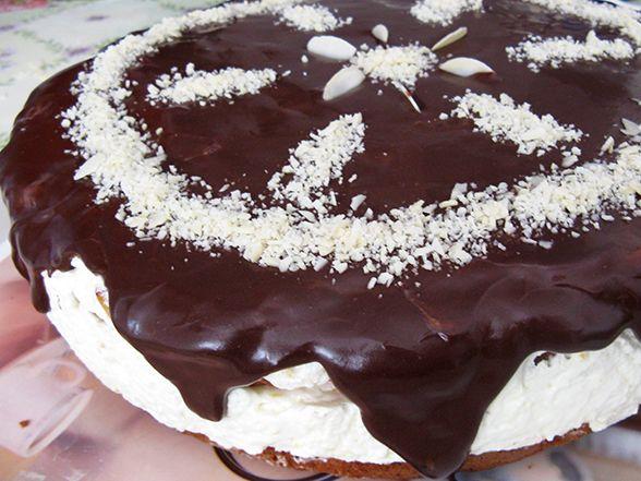 Gustozy: Tort cu glazura de ciocolata