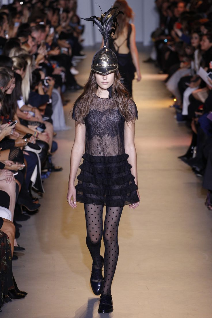 John Galliano Spring 2016 Ready-to-Wear Fashion Show: