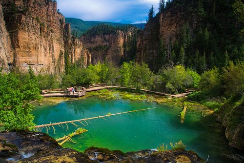 Hanging Lake, Colorado Hanging Lake Trail is a 2.4 mile out and back trail located near Glenwood Springs, Colorado that features a lake and is rated as difficult.