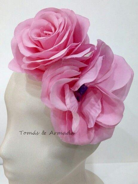 Tocado de flores rosa de la colección garden .