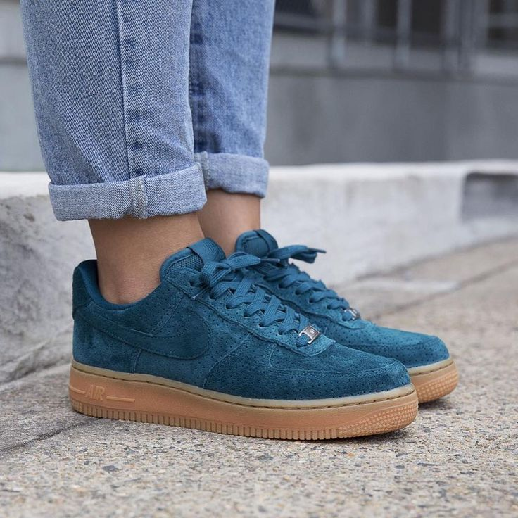 Sneakers femme - Nike Air Force 1 Suede (©hypedc) Clothing, Shoes & Jewelry : Women : Shoes : Fashion Sneakers : shoes  http://amzn.to/2kB4kZa