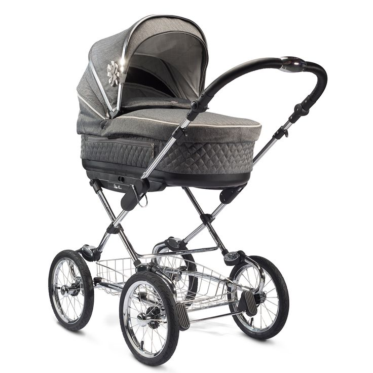 Silver cross sleepover pram mode with included carry cot unit