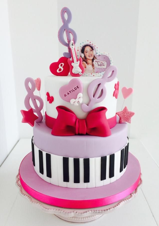 Violetta+-+Cake+by+Bella's+Bakery