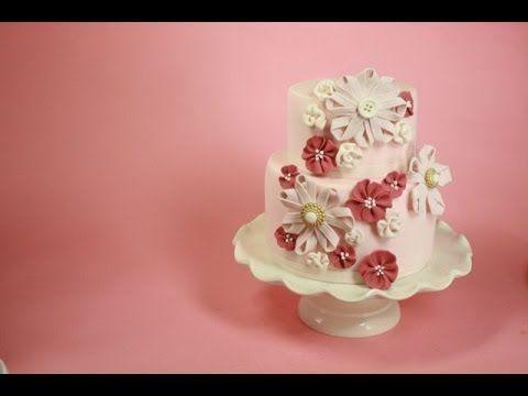 sugar-ribbon-flower-cake