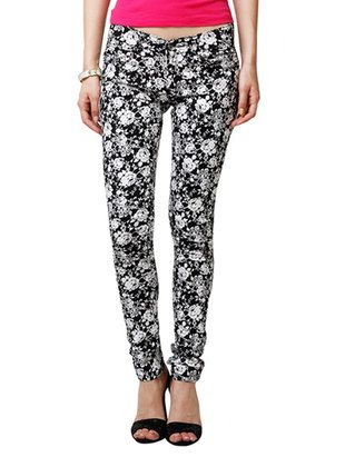 Check out what I found on the LimeRoad Shopping App! You'll love the Black Floral Printed Cotton Chinos Trouser. See it here http://www.limeroad.com/products/13682561?utm_source=10570b8bd1&utm_medium=android