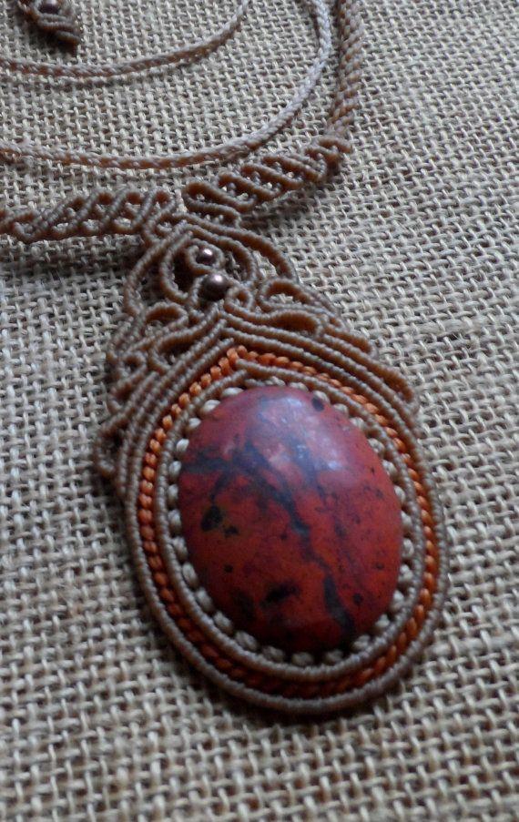 Rouge Pierre de jaspe collier macramé Dimensions par LaQuetzal