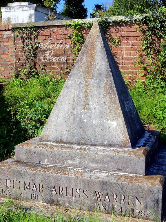 Southern Graves: Delmar Warren's Pyramid Tombstone