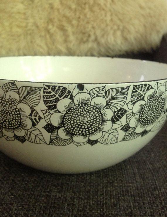 Finel enamel bowl Finland sunflowers Kaj Franck