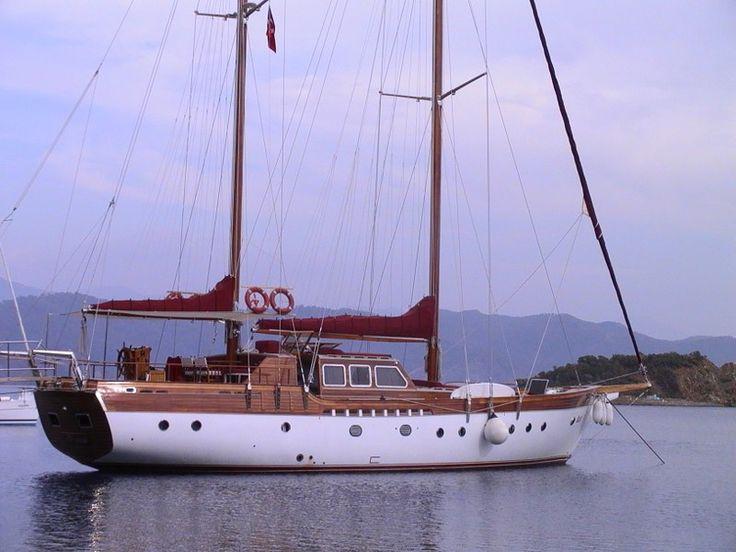 ISLA | CNL Yacht
