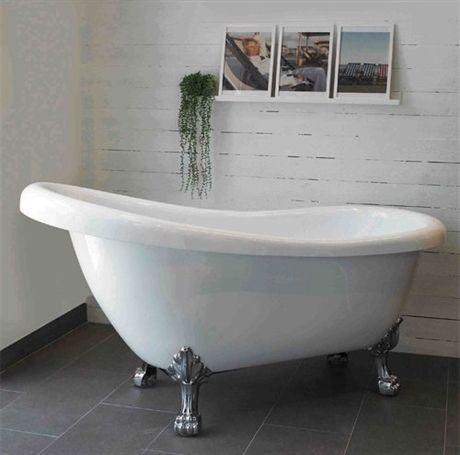 Med mässings tassar! Om jag ska köpa badkar någon gång blir denna min första! Klassiskt tasskbadkar här hos PM-hem. Mått: 1560x720x640/790 - Klicka här & läs mer!