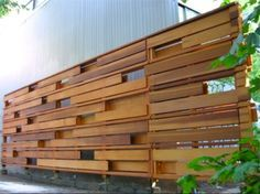 mid century modern courtyard fences | Some Cool Backyard Fences