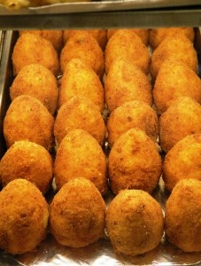 5 Street Foods you can't miss in Palermo! - Click on image for the post - Sicily Food - Enjoy!