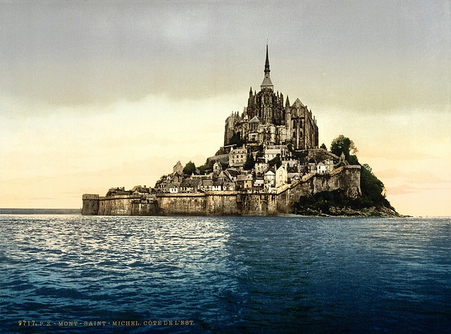 East face, Mont-Saint-Michel, Normandy, France, ca. 1895  Photochrom print by Photoglob Zürich, between 1890 and 1900.  From the Photochrom Prints Collection at the Library of Congress More photochroms from France | More photochrom prints [PD] This picture is in the public domain