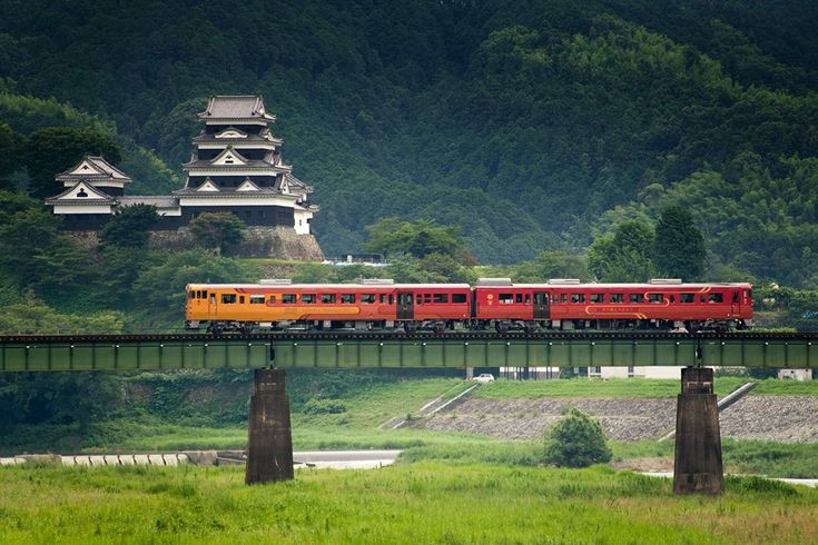 The Iyonada Monogatari Tourist Train, fitted out in 'retro-modern' style, leaves from Matsuyama on a stylish journey through the coastal and mountain region of western Shikoku known as Iyonada. As you travel through this picturesque scenery, you can enjoy delicious meals prepared using the specialities of the region. http://www.shikokutours.com/sightseeing/531.html