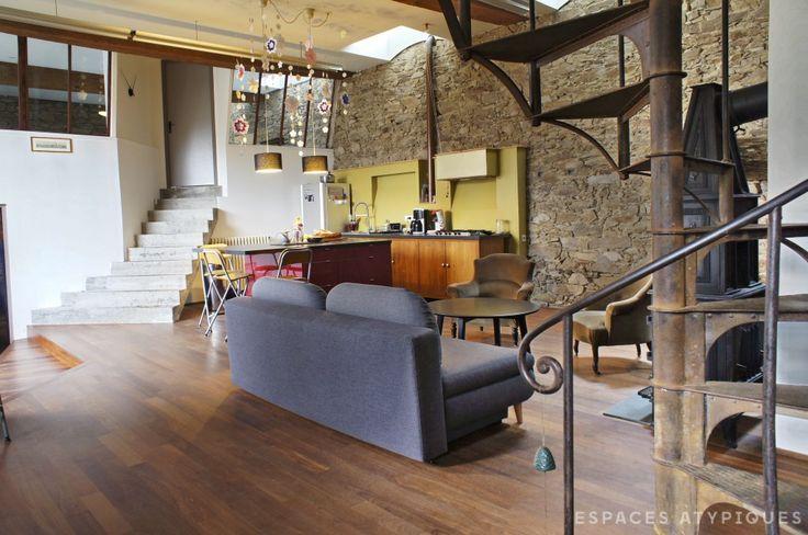 nantes maison loft sur deux niveaux espaces atypiques. Black Bedroom Furniture Sets. Home Design Ideas