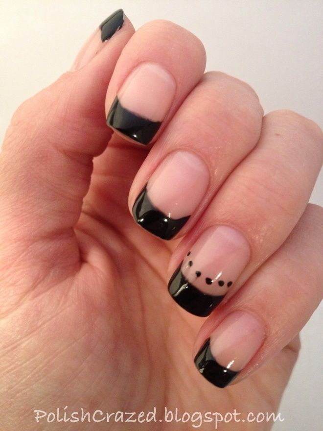 french tip with dots | Black french tip. The dots on 1 finger are cute.