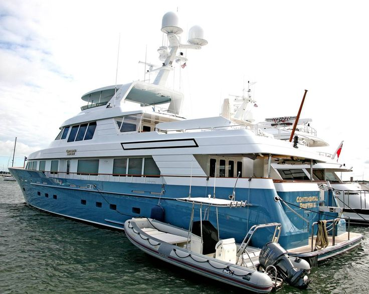 Jimmy Buffett Yacht Buffetts Seen In Sag