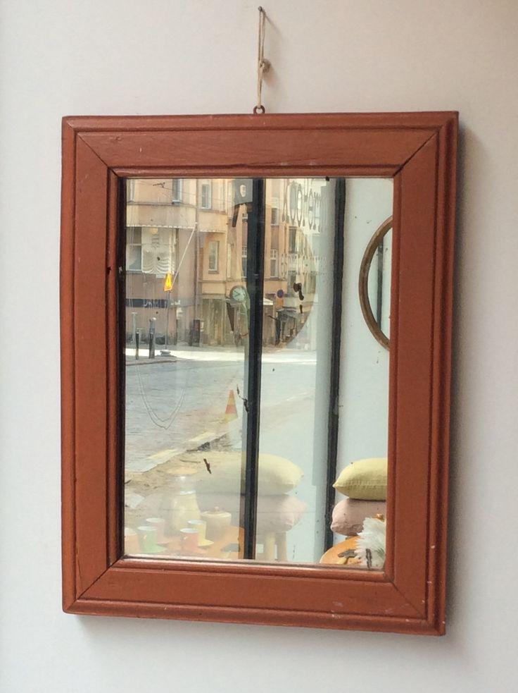 puukehyksinen peili 40 luvulta Ranskasta . 37x47.5cm . @kooPernu