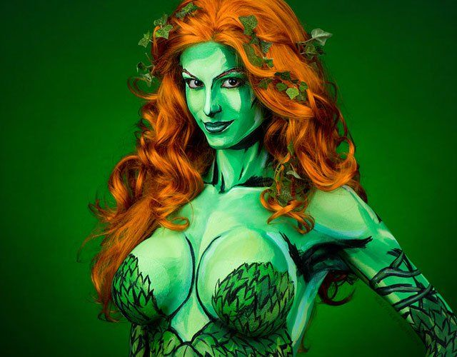 #Video #DcComics #KayPike Amazing POISON IVY Cosplay Will Make You Green! #horror: Kay Pike strikes again with this amazing Poison Ivy…