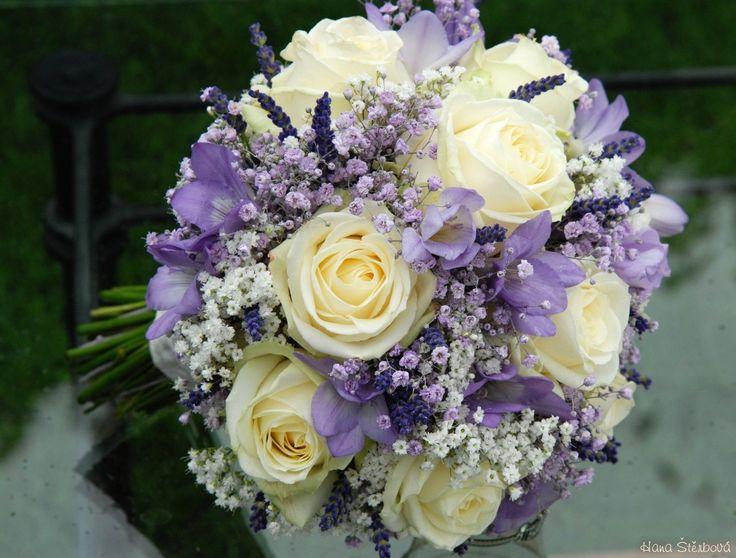 svatební kytice bílá fialová - Google Search