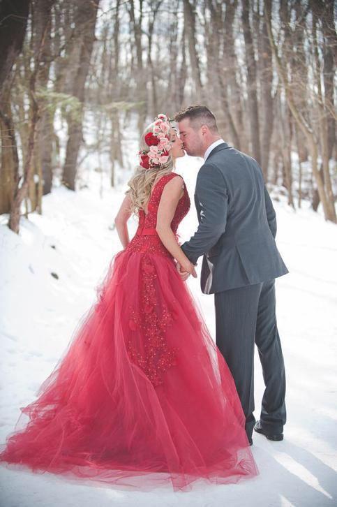 Rode winter prinsessen trouwjurk elegante bruidsjurk op maat