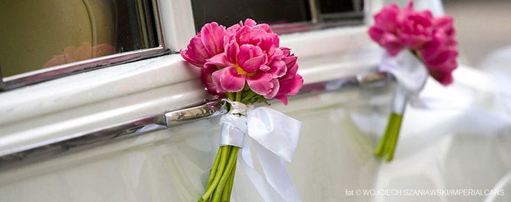 Najpopularniejsze dekoracje na samochód do ślubu jakie zdobiły nasze auta