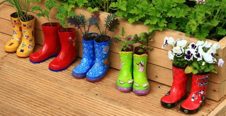 diy project - pot bunga dari sepatu boots