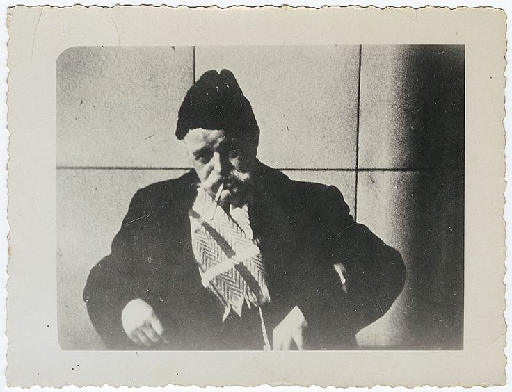 Gurdjieff  http://www.ilgiardinodeilibri.it/libri/__frammenti-di-un-insegnamento-sconosciuto-p-d-ouspensky.php?pn=130