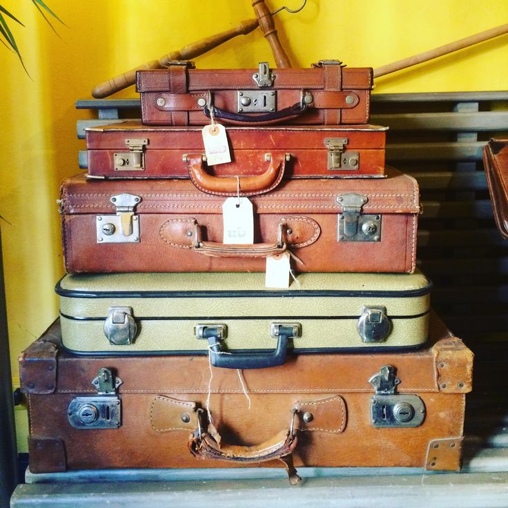 Estate, viaggi, valige Valige vintage info@ubfirenze.it