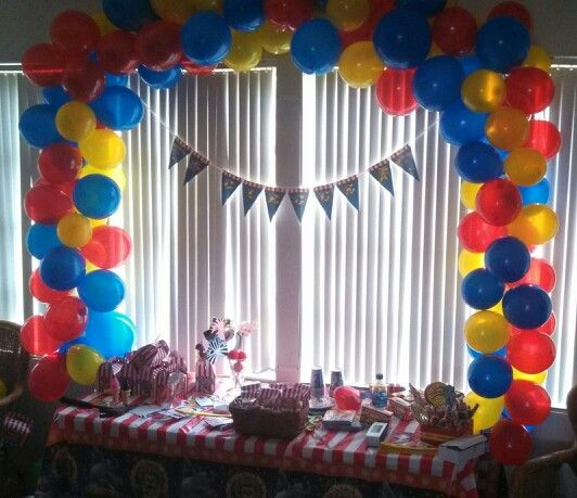 Best 25 no helium balloons ideas on pinterest filling for Balloon arch no helium
